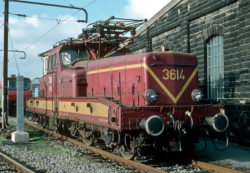 CFL 3614 is stabled at Luxembourg depot on 19 October 1988