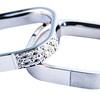 Proponere Hortensia 950 Platinum Ring with Diamond for the Bride<br /> <br /> HK$11,850 (Left)<br /> HK$10,270 (Right)