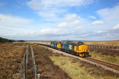 37409+37402 on the 1Z26 0815 Aviemore to Thurso away from Forsinard on the 21st April 2019 1