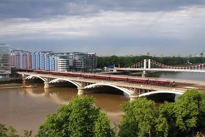 66746 tnt 66743 over Grosvenor bridge or Victoria Railway bridge with 5Z60 Craigentinny to London Victoria on the 27th May 2017