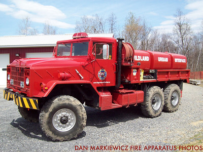 HUGHESTOWN HOSE CO. TANKER 143 1983 AMTECH TANKER