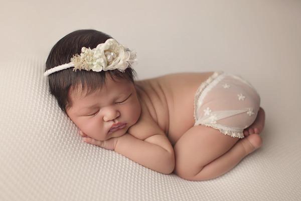 lyla newborn