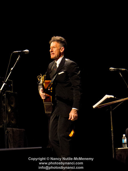 Lyle Lovett and His Acoustic Group Mahaiwe Performing Arts Center Great Barrington, MA December 17, 2011 Copyright ©2011 Nancy Nutile-McMenemy www.photosbynanci.com More images: http://www.photosbynanci.com/lylelovett.html