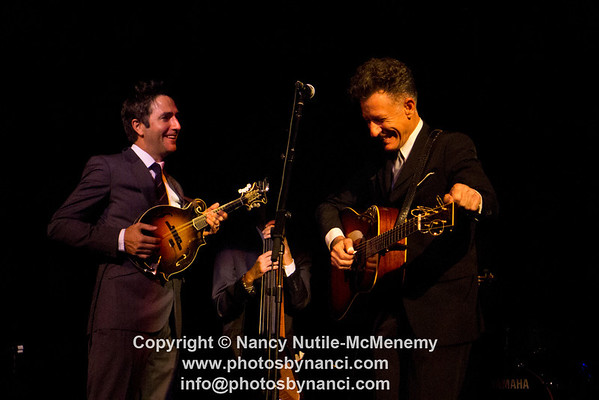 Lyle Lovett and His Acoustic Group Calvin Theatre Northampton MA November 3, 2012 Copyright ©2012 Nancy Nutile-McMenemy www.photosbynanci.com More images http://www.photosbynanci.com/lylelovett.html