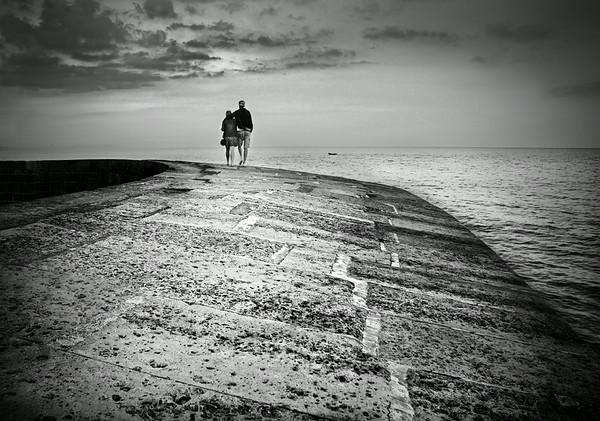 Lovers on The Cobb, Lyme Regis