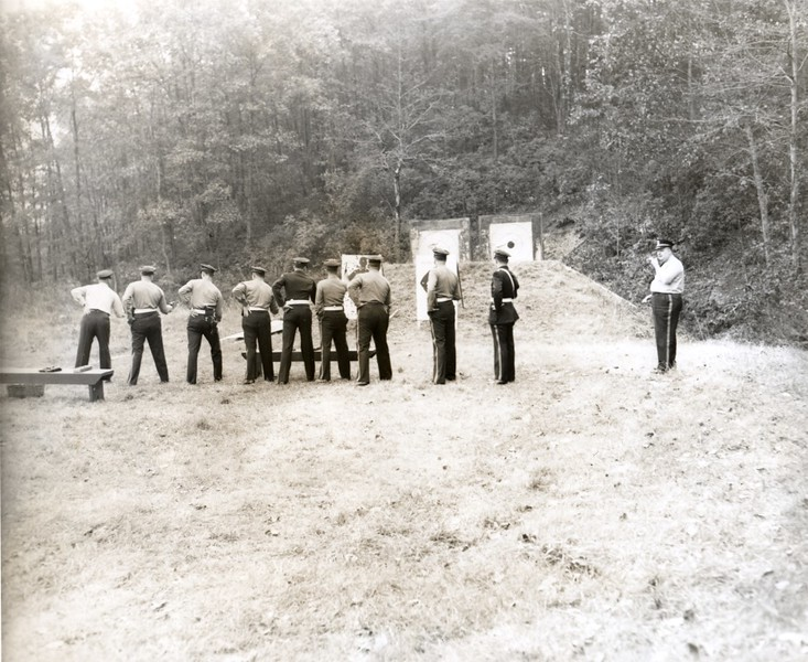 Target Practice at City Farm, 1948  (06691)