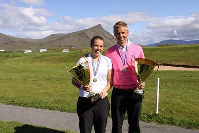 Íslandsmeistarar í holukeppni 2010 Valdís Þóra Jónsdóttir Golfklúbbnum Leyni og Birgir Leifur Hafþórsson Golfklúbbi Kópavogs og Garðabæjar.