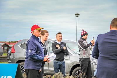 Íris Róbertsdóttir bæjarstjóri Vestmannaeyja, Helgi Bragason formaður GV, Einar Gunnarsson golfkennari GV. Mynd/seth@golf.is