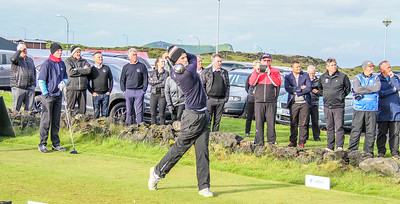 Bjarni Þór Lúðvíksson, GR, slær hér fyrsta höggið á Íslandsmótinu í golfi 2018. Mynd/seth@golf.is