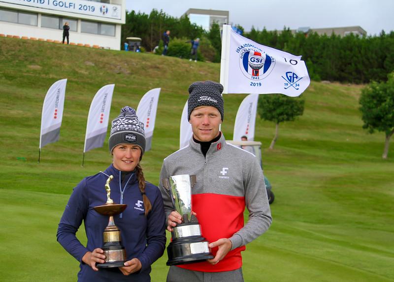 Guðrún Brá Björgvinsdóttir, GK og Guðmundur Ágúst Kristjánsson, GR. <br /> Íslandsmótið í golfi 2019. Mynd/seth@golf.is