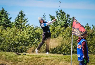 Hákon Örn Magnússon, GR á 2. teig á Garðvelli.  Mynd/seth@golf.is
