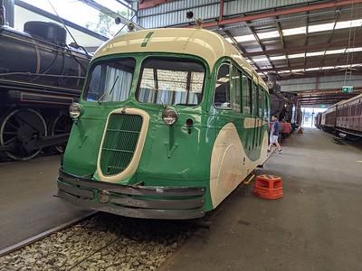 Rail-Bus-01
