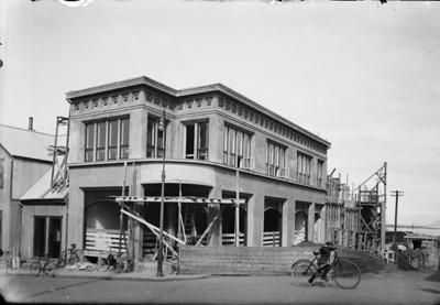 Bankastræti 7a og Gamla Bíó í byggingu, 1926.  MAÓ 189.