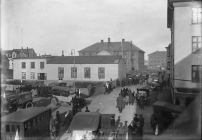 1923-1935, samkomuhús. Góðtemplarahúsið við Templarasund, Gúttó. Bílar og menn. Alþingishúsið.