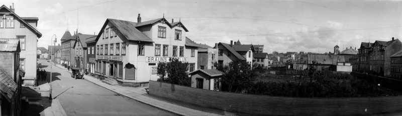 1920-1930   Byggingar Verslunin Hamborg í Aðalstræti.