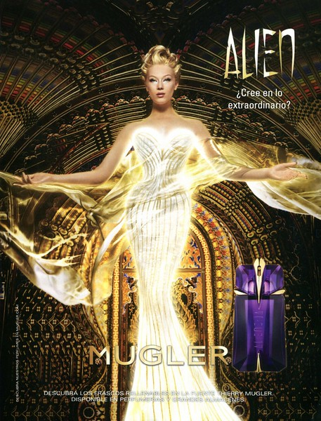 MUGLER Alien 2017 Spain '¿Cree en lo extraordinario? - Descubra los frascos rellenables en la Fuente Thierry Mugler. Disponible en perfumerías y grandes almacenes'