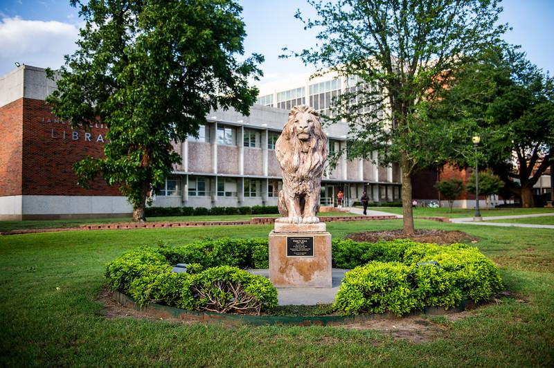M18220- Campus Architecture-7576