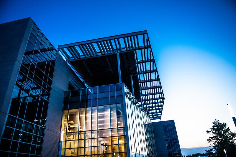 M19196- Evening Campus-7150