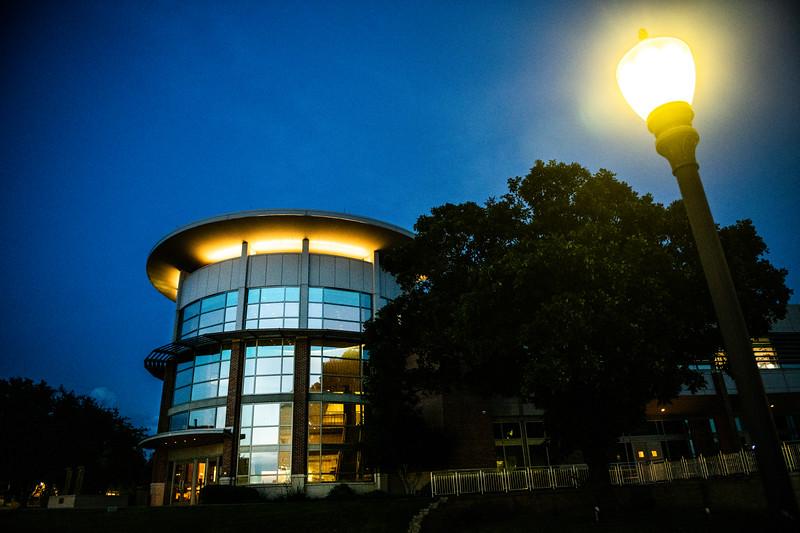 M19196- Evening Campus-7249