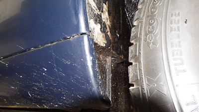 Front lower sill ends are solid, some flaking underseal