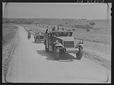 TITLE:  Fort Riley, Kansas. Units of a reconnaissance platoon going back to camp after a day in the field<br /> <br /> <br /> <br />   LC-USW3- 004381-D