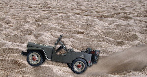 050329 085740 jeep sand