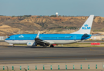 KLM Royal Dutch Airlines Boeing 737-8K2 PH-BCE 3-12-19 2