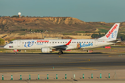 Air Europa Express Embraer ERJ-190-200LR EC-LKX 3-12-19