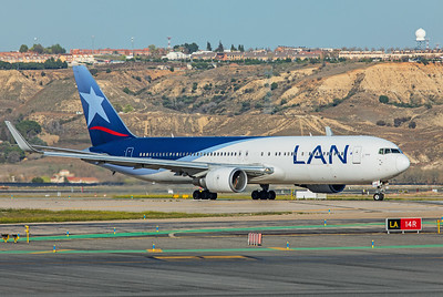 LATAM Airlines Chile Boeing 767-316(ER) CC-CXG 3-12-19