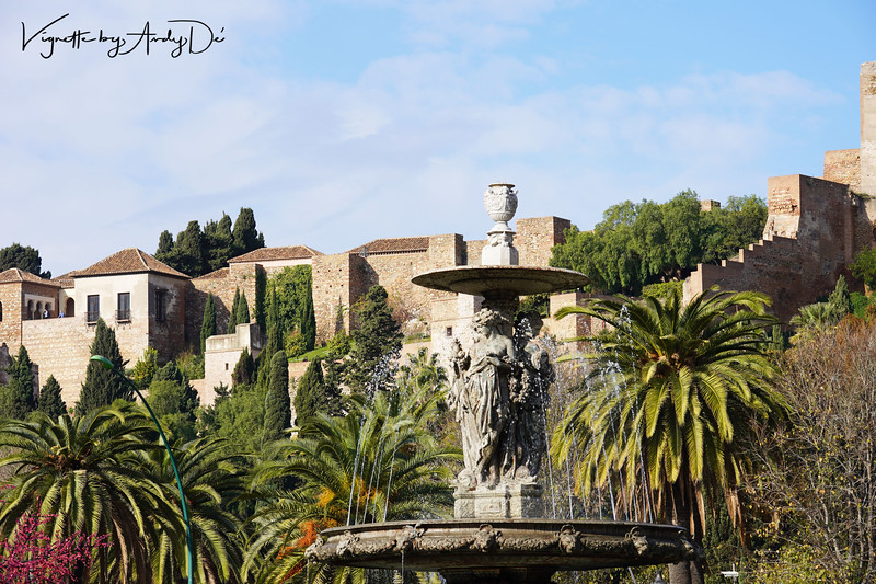 Another panoramic perspective of the castles of Alcazaba and the Castillo de Gibralfaro, from the city centre!