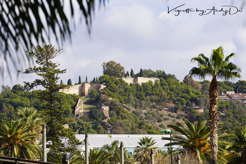 Panoramic perspective of the castles of Alcazaba and the Castillo de Gibralfaro, from the city centre!