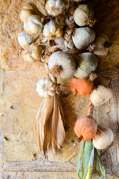 Hanging Garlic<br /> Cafe near Blue Grotto