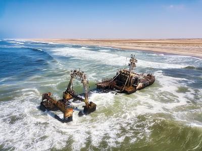 fbb2c5d3-96a7-4f05-98a9-f0fa9e3db655-Namibia-Skeleton-Coast-shipwreck-wild-seas-SS_large