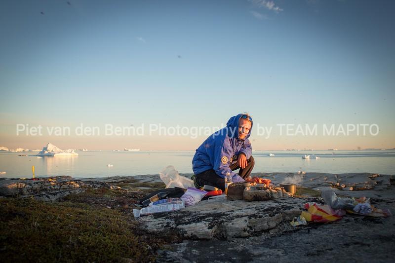 TEAM MAPITO Kayakking Greenland