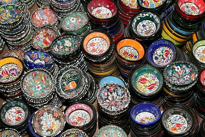 depositphotos_51610847-stock-photo-traditional-local-souvenirs-in-jordan