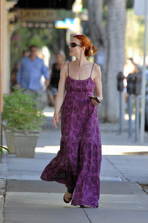 "EXCLUSIVE-Marcia Cross is ready to running a fashion show, she look beautiful we can say like the french expression "" elle porte bien la toilette "" The translation could be she look gorgeous like she is."