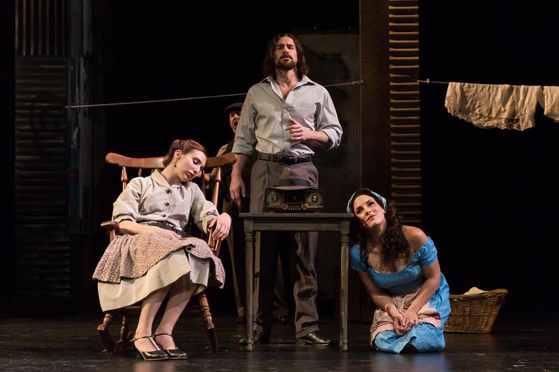 (L-R) Soprano Sarabeth Belon (ensemble), baritone Paul La Rosa (El Payador), and mezzo-soprano Audrey Babcock (Maria) in San Diego Opera's MARIA DE BUENOS AIRES, January 2018. Photo by Karli Cadel.