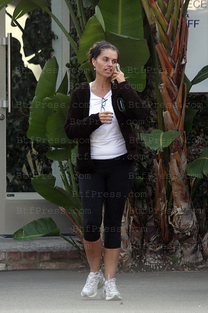 EXCLUSIVE-Maria Shriver in Fred Segal Santa Monica California on November 10,2008 (Photo Btfpress/Joe Mansuur)