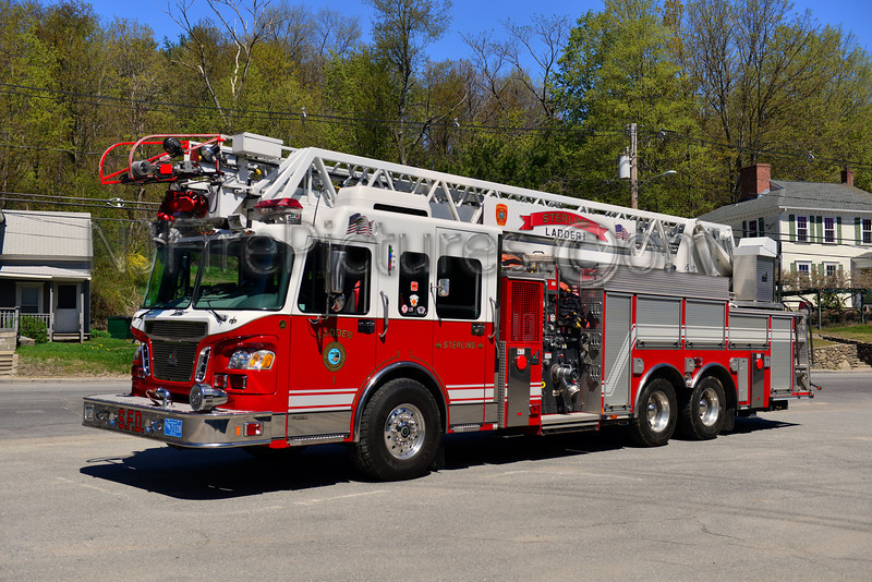STERLING LADDER 1 - 2005 SPARTAN/SMEAL 1500/300/20/105'