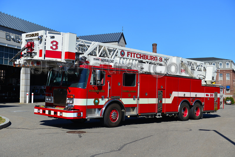 FITCHBURG TOWER LADDER 3 - 2011 KME PREDATOR 102'