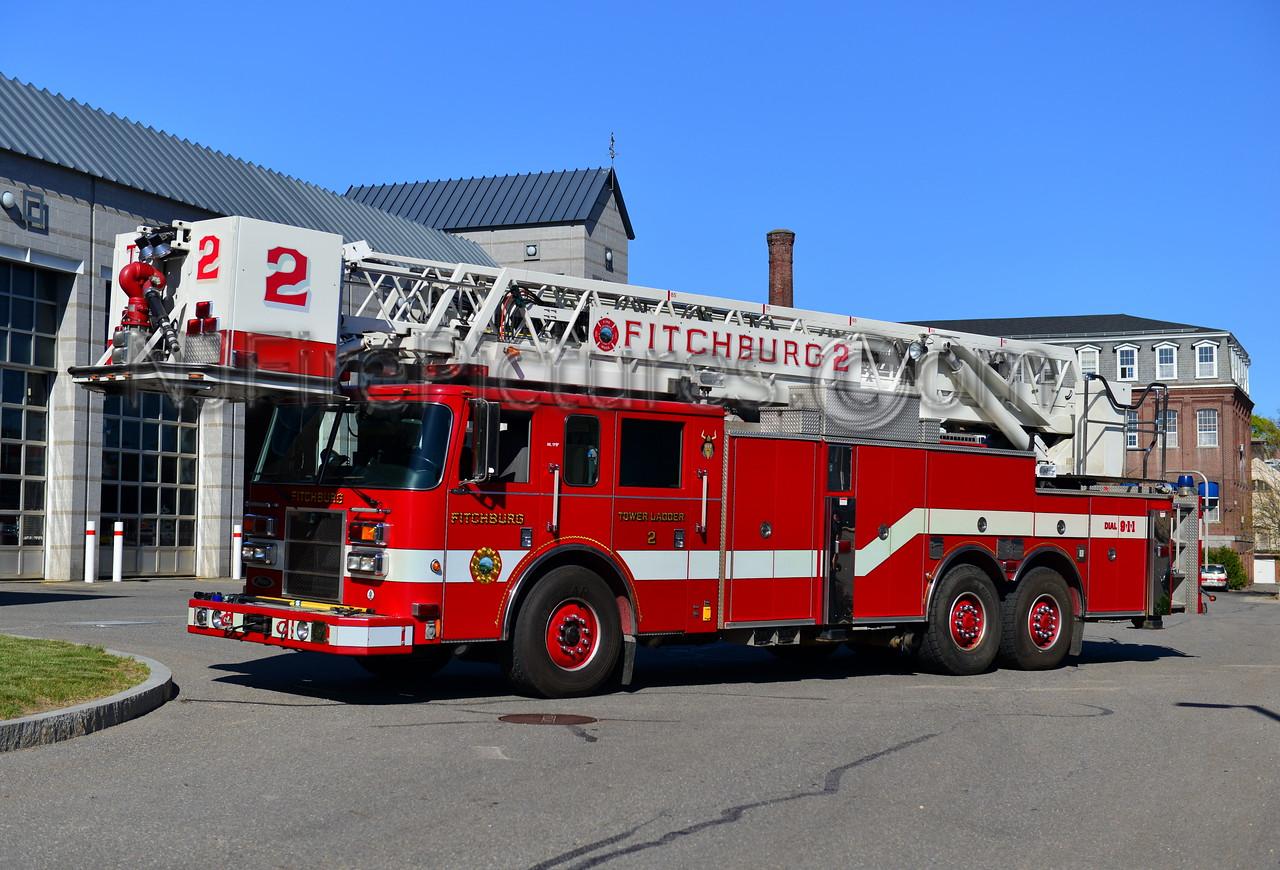 FITCHBURG TOWER LADDER 2 - 2003 PIERCE DASH 85'