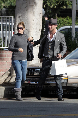 EXCLUSIVE-Rock star Matt Goss from the band Bros with His love Daisy Fuentes have a good time together in Fred Segal Santa Monica California on November 10,2008 (Photos Btfpress/Joe Mansuur)