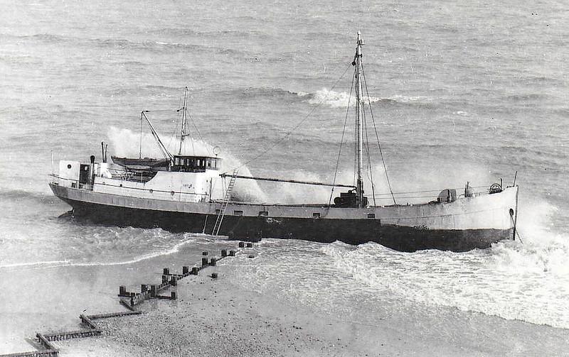 1969 - 03/15 - March 15th - JONET (NLD) - Cargo 196GRT/270DWT - 32.4 x 6.3 - 1927 Scheeps Vos, Groningen, No.60 as ROTTUM (1927-52) - 1952 NECTON, 1956 JONET - 15/03/69 wrecked 7nm south of Cromer.