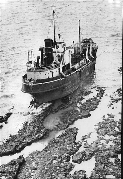 1968 - 10/02 - October 2nd - STEEPHOLM (Bristol) - IMO5339810 - Dredger - 531GRT - 45.9 x 9.5 - 1950 Charles Hill & Sons, Bristol, No.361 - Holm Sand & Gravel Co. - on voyage from Barry to Swansea with sand, this dredger wrecked in heavy weather on Tuskar Rock, Porthcawl. The crew of 7 was saved, but the wreck was looted.