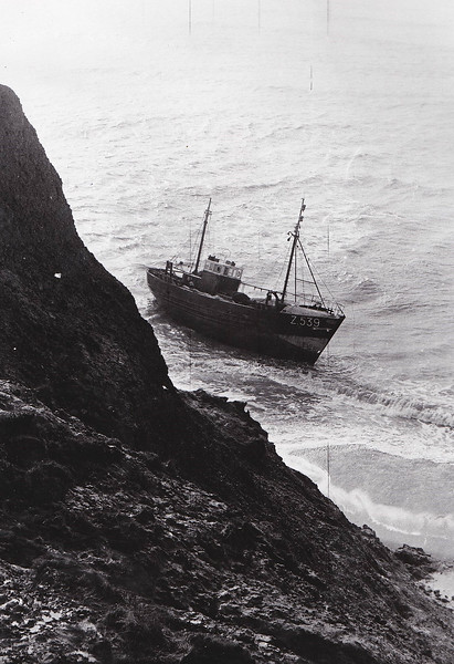 1965 - 02/19 - February 19th - ZEEMANSBLIK (Z539) - Trawler - 83 tons - ZEEMANSBLIK was a Belgian Motor Fishing Trawler that ran aground on the Atherfield Ledge, Isle of Wight, and became a total loss. Her crew of five was rescued by Yarmouth lifeboat..