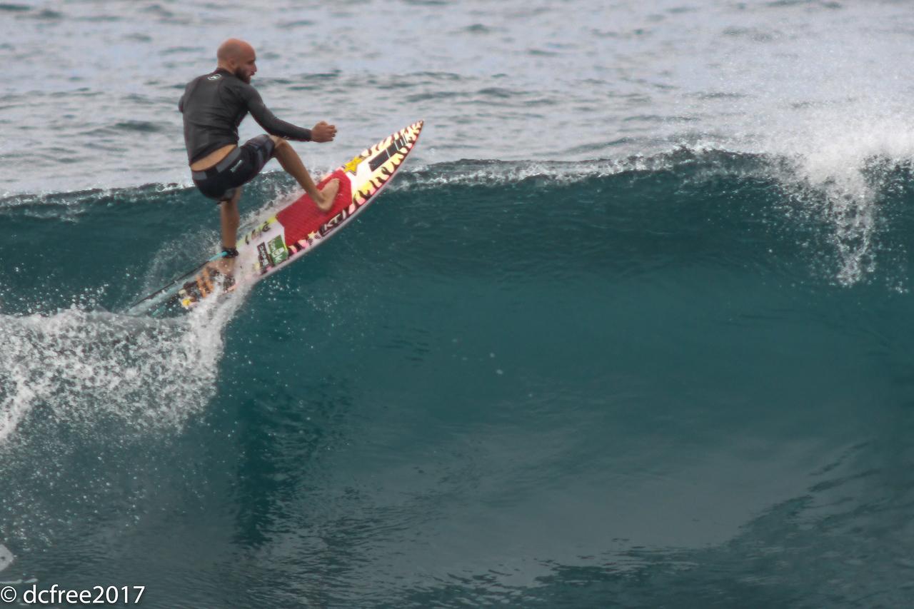 HOOKIPA SURFER 4
