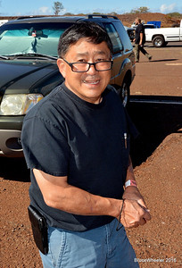 My good friend, drag racer Chuck Ogawa, on vacation from SoCal, was hanging out and talking story with the local racers.