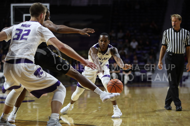 MANHATTAN, KANSAS - OCTOBER 29: Kansas State #5 Barry Brown passes the ball to #32 Dean Wade during the men's basketball game between Fort Hays State University and Kansas State University at Bramlage Coliseum on October 29, 2017. (Photo by Cooper Kinley | K-State Athletics)