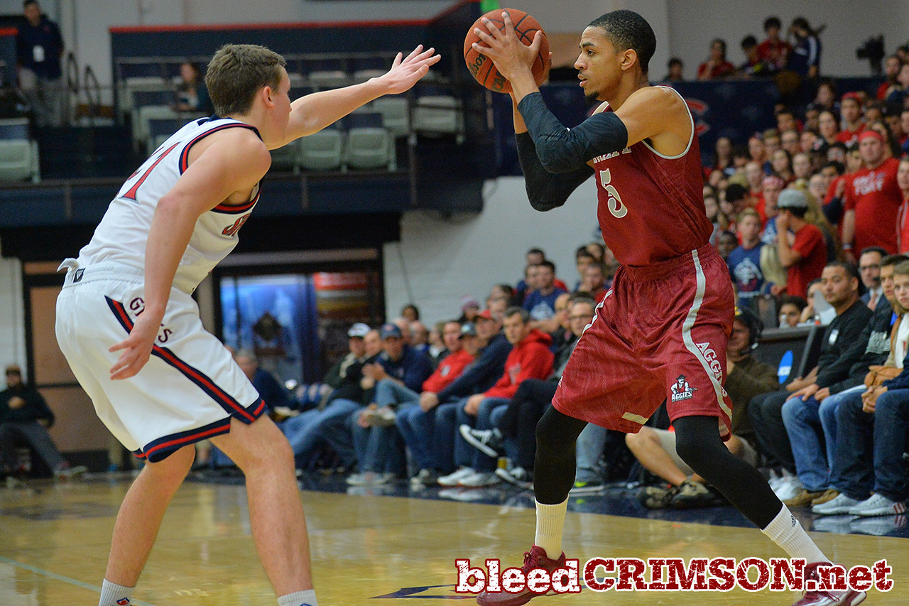 Nov. 18, 2014: New Mexico State Aggies guard Matt Taylor (5) surveys the defense during a game between New Mexico State vs. St. Mary's College in Moraga, Calif. in the ESPN College Hoops Tipoff Marathon. Saint Mary's defeated New Mexico State 83-71.