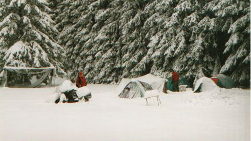 Icebeerrally 1998 After one night of snow my tent got a bit smaller...